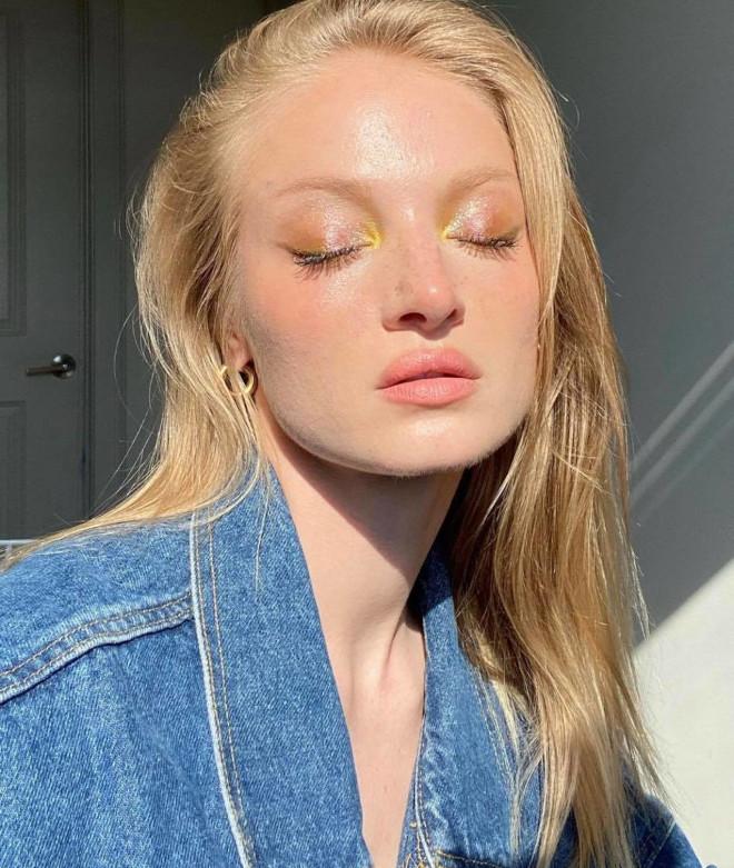 stardust eyeshadow is spring's dreamiest makeup trend