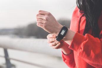 fitbit-luxe-vs-garmin-lily-fashionable-watch-for-women