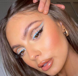 the double wing makeup trend Is here to make your eyes pop