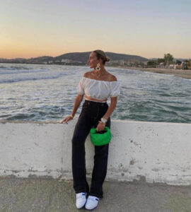 casual summer outfits that will get you into vacay mood