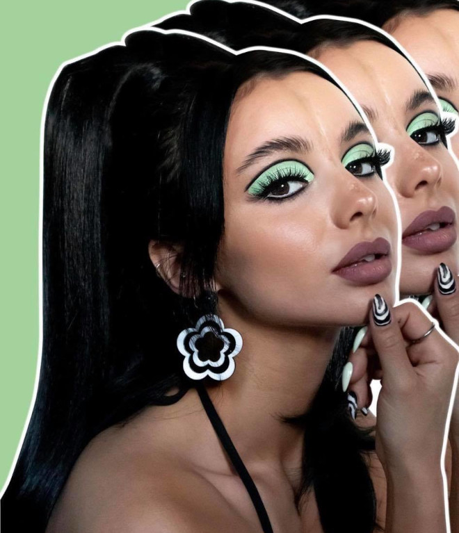 graphic black eyeliner is back in the spotlight