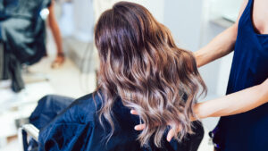 hair-stylist-resume-girl-with-great-hair-in-chair
