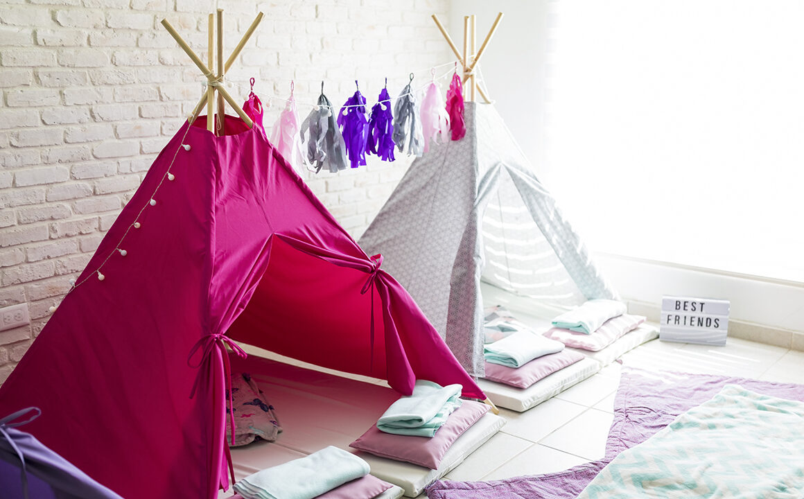 how-to-throw-the-ultimate-slumber-party-blanket-fort-tee-pee