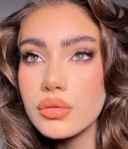 sunkissed makeup looks to pen up the summer season looking on point