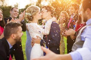 trendiest-wedding-styles-for-2021-happy-couple-wedding-kissing