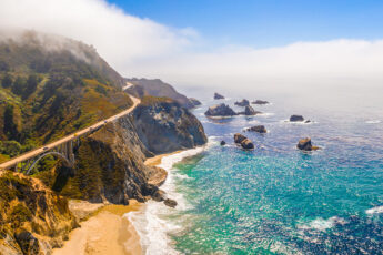 10-us-locations-to-visit-for-summer-break-main-image-coast-and-beach