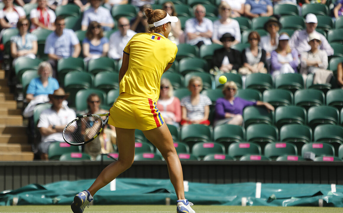 female-athletes-with-fashion-sense-female-tennis-player-main-image