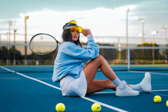 most-fashionable-sports-girl-playing-tennis-main-image