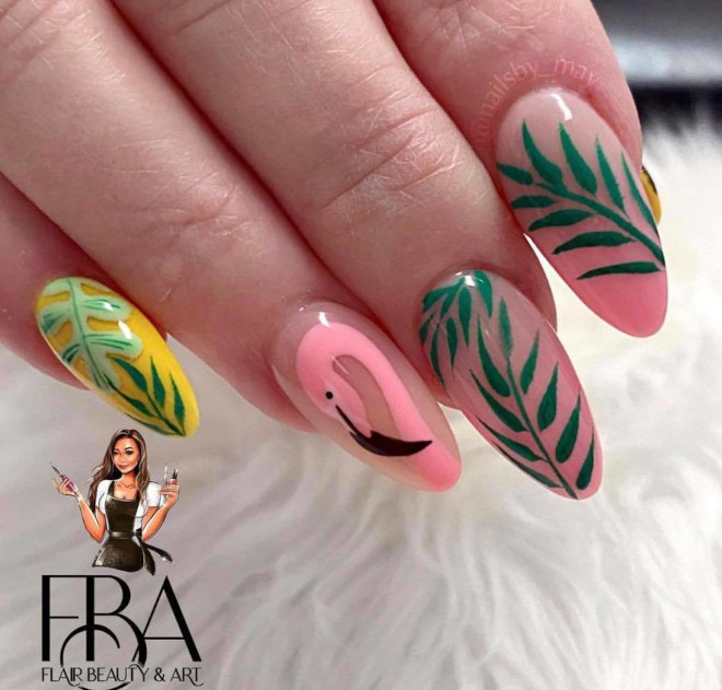 pretty vacation-themed nails to upgrade your hot weather style
