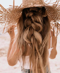 the prettiest beach hairstyles to rock this summer