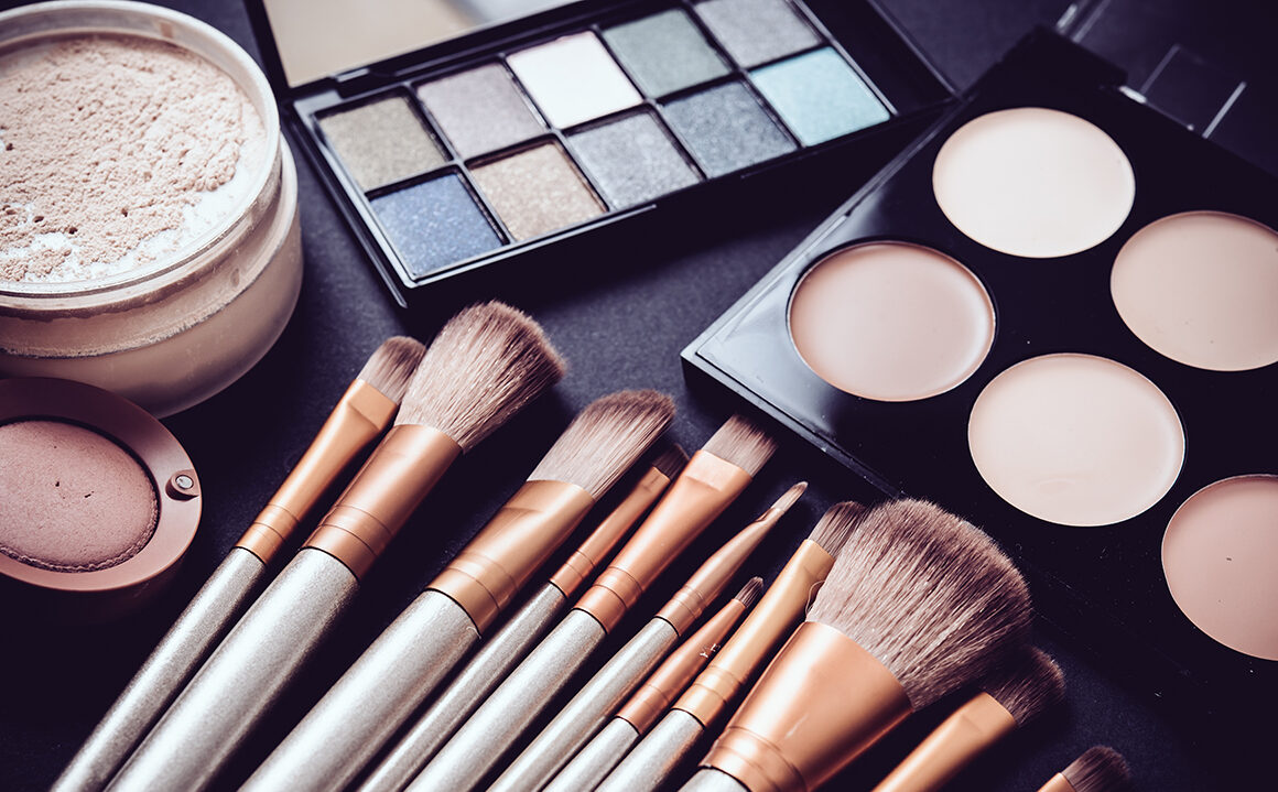 what-to-do-after-graduating-from-beauty-school-makeup-brushes-and-makeup