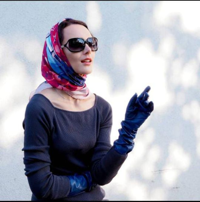 Glamorous vintage scarf looks for an instant Grace Kelly transformation
