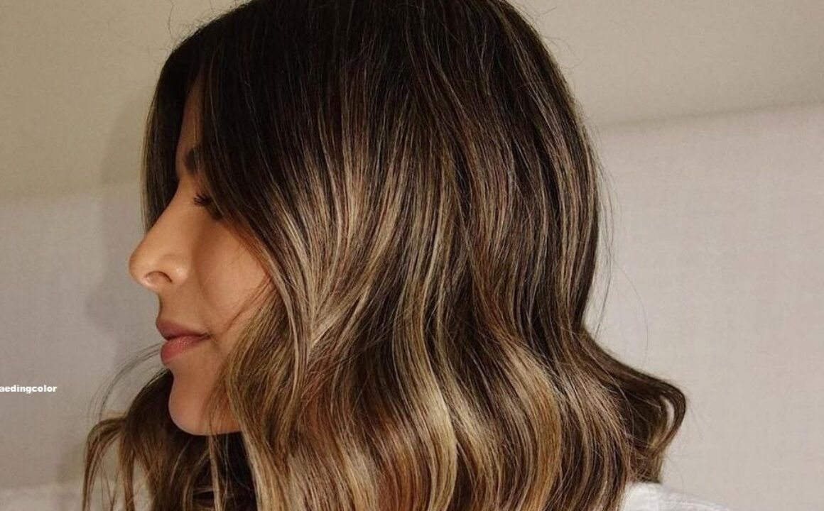Why You Should Sport the Smoky Gold Hair Trend This Fall