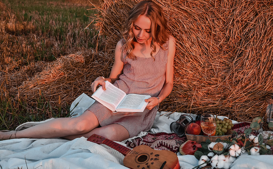 beginners-guide-to-cottagecore-style-woman-in-field-prarie-style