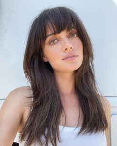 The Prettiest Medium-Length Fall Haircuts for Brunettes