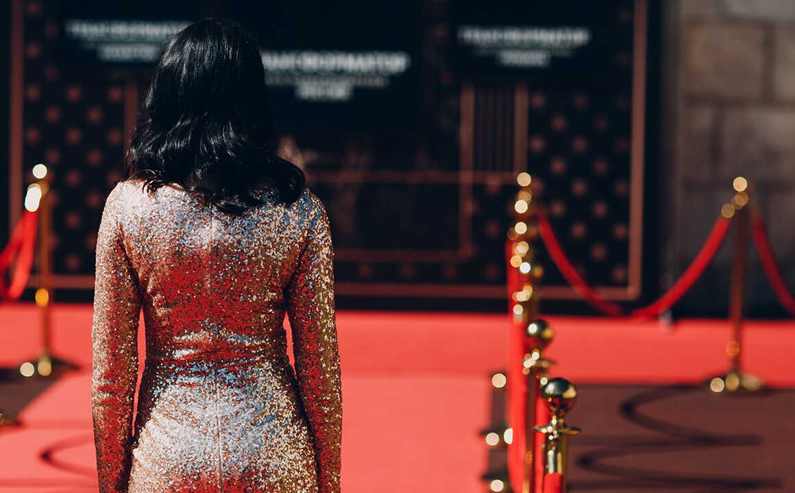 celebrity-haircuts-everyone-copies-girl-on-red-carpet