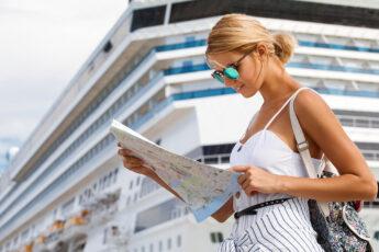 cute-outfit-ideas-girl-summer-look-girl-on-cruise-ship